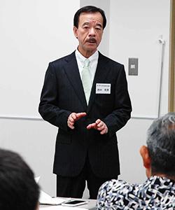 セミナーの講師を務めた鈴木代表